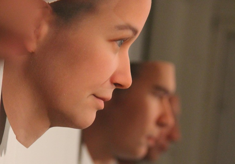 Kvinneansikt i profil. Modell basert på analyse av en sigarettsneip. Foto: Heather Dewey-Hagborg