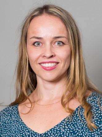 Surrogati medfører mye usikkerhet, og det er vanskelig å lage avtaler som regulerer denne usikkerheten godt, sier Kristin Engh Førde. Foto: Ingar Sørensen.