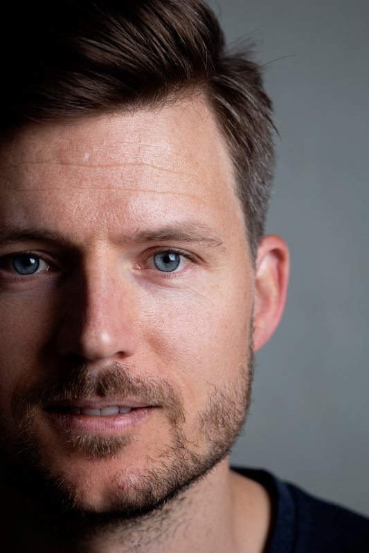 Portrettfotografi av donorunnfangede Øystein Tandberg